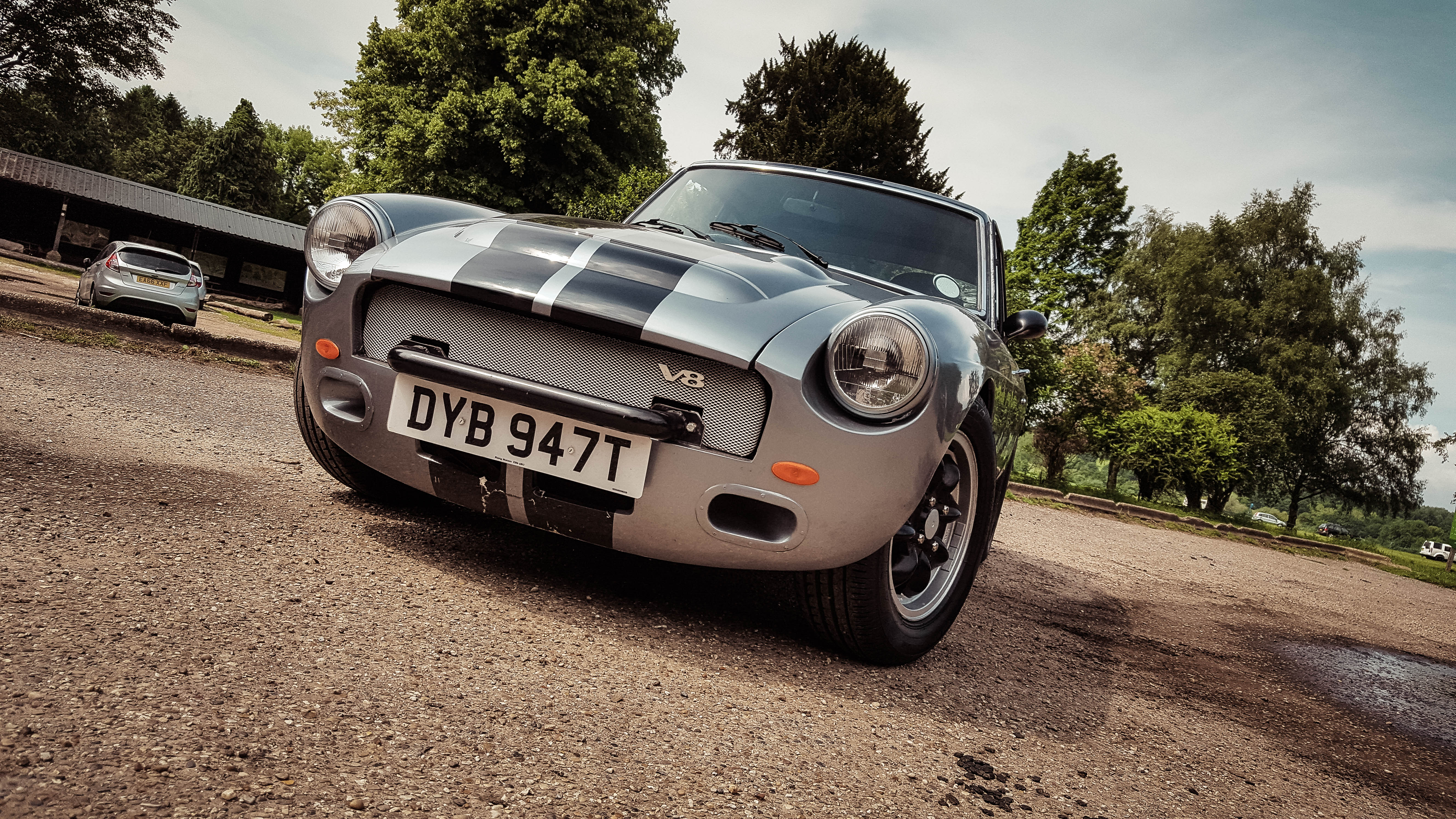 First Drive: MGB GT V8 1978 - The Back Roads -